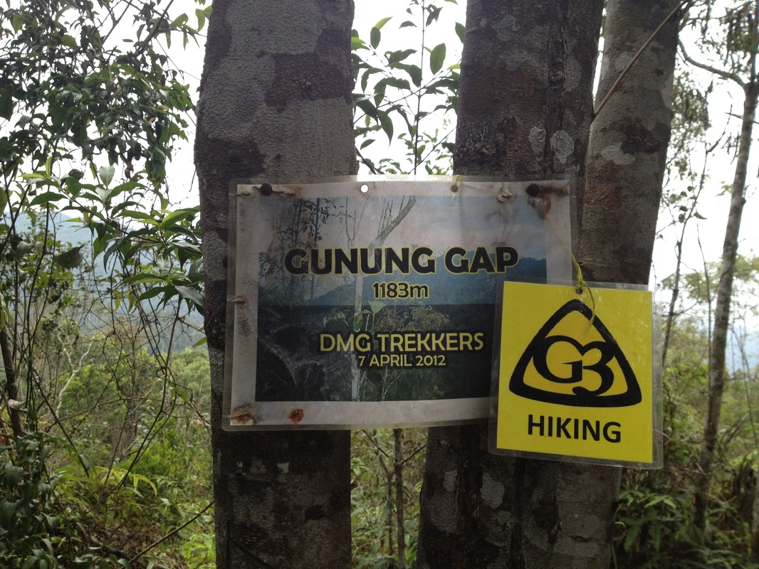 Finally, Gunung Gap. There is also a stone boundary marker at the peak